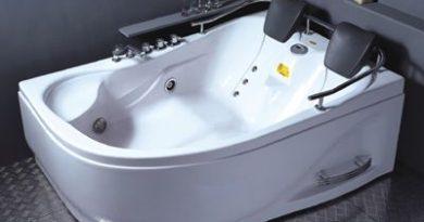 vasca-idromassaggio-con-radio-e-cuscini-poggiatesta
