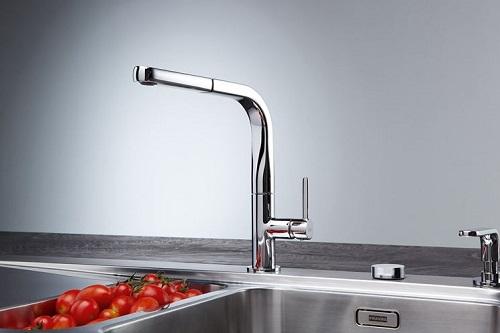 Sostituzione rubinetti miscelatori cucina